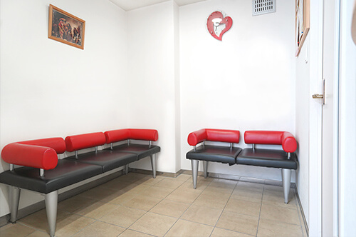 相模原市中央区の歯医者、アオキ歯科クリニック待合室